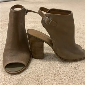 Lucky Brand Risza Leather Wedge
